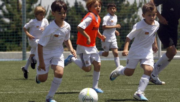 2011 05 28 MADRID. FUTBOL 10-11. TORNEO DE FUTBOL DE LAS ESCUELAS DE LA FUNDACION EN LA CIUDAD REAL MADRID EN VALDEBEBAS.  FOTO:VICTOR CARRETERO/REALMADRID.COM